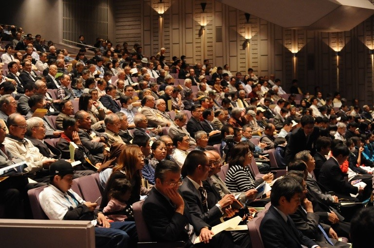 Over 800 people attended the symposium